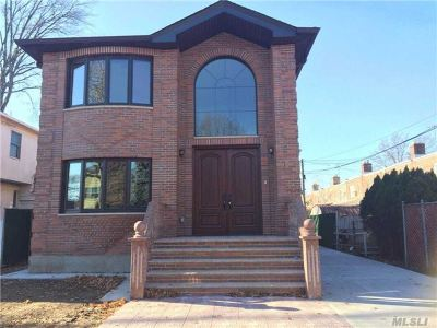 Queens County Single Family Home For Sale: 26-16 172nd St