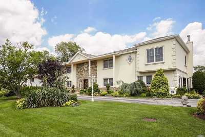 Hewlett Single Family Home For Sale: 1013 Seawane Dr