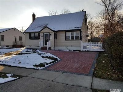 Nassau County Single Family Home For Sale: 4030 Maywood Dr