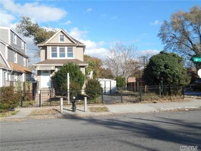 Single Family Home For Sale: 111-55 167th St