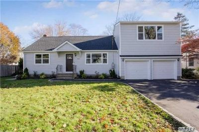 E. Northport Single Family Home For Sale: 422 1st St