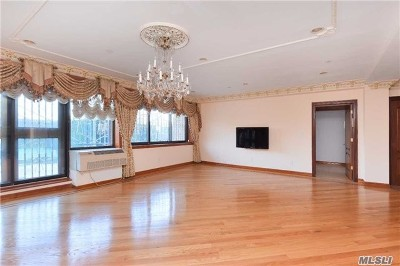 Rego Park Condo/Townhouse For Sale: 99-31 66 Ave #2A