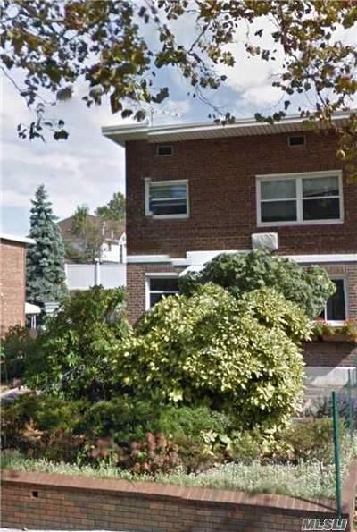 Bayside, Oakland Gardens Multi Family Home For Sale: 69-27 222 St