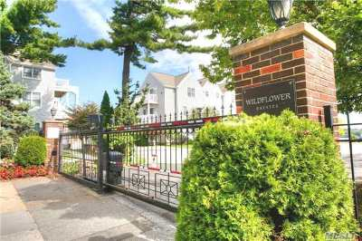 Queens County Condo/Townhouse For Sale: 168-50 Powells Cove Blvd #23