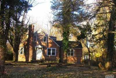 Huntington Single Family Home For Sale: 25 Old Northport Rd