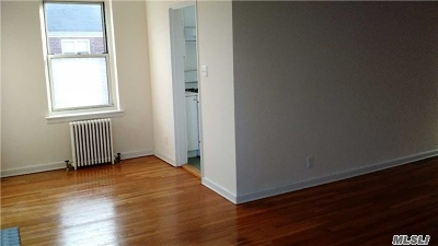 Douglaston, Little Neck, Bayside, Bay Terrace, Oakland Gardens Co-op For Sale: 35-04 205 St. St #257