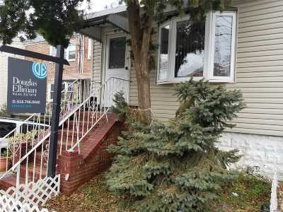 Middle Village Single Family Home For Sale: 66-59 75th St