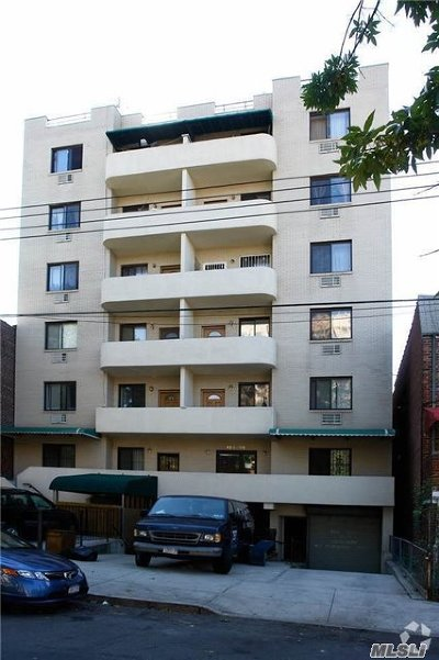 Flushing Condo/Townhouse For Sale: 13338 Avery Ave #5Rb