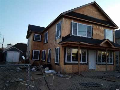 Mineola Single Family Home For Sale: 215 Washington Ave