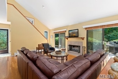Southampton NY Single Family Home For Sale: $849,000