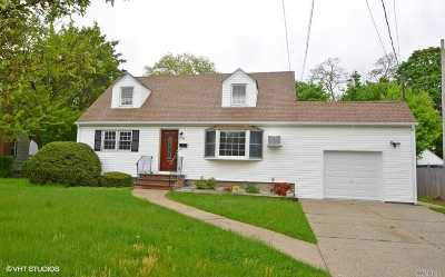 East Meadow Single Family Home For Sale: 1788 Park Ave