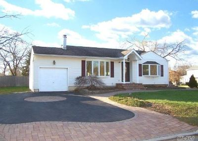 Pt.jefferson Sta Single Family Home For Sale: 111 Frederick Rd