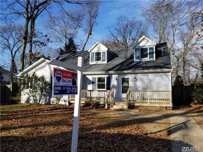 West Islip Single Family Home For Sale: 1235 Washington Ave