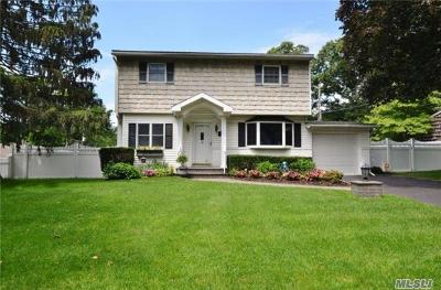 Smithtown Single Family Home For Sale: 12 Daphne Pl