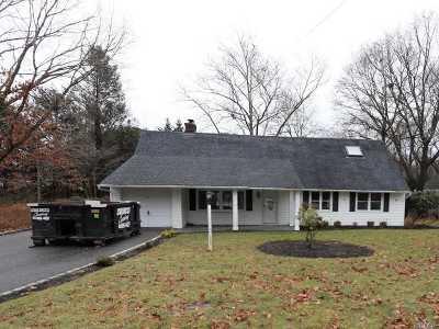 Huntington Single Family Home For Sale: 30 Fairfields Ln