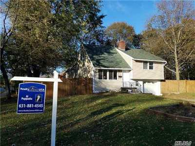 central Islip Single Family Home For Sale: 1 Satinwood St