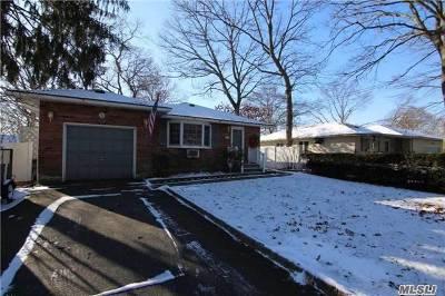 Ronkonkoma Single Family Home For Sale: 408 Wildwood Rd