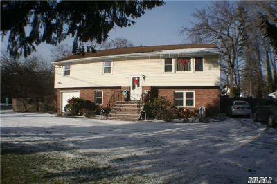 Bohemia Single Family Home For Sale: 1281 Church St