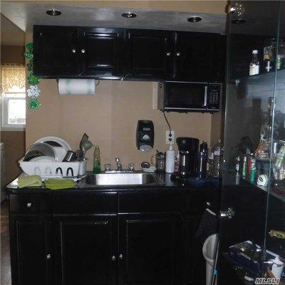 Inwood Single Family Home For Sale: 14 Mott Pl