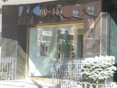 Forest Hills Condo/Townhouse For Sale: 69-45 108 St #9H