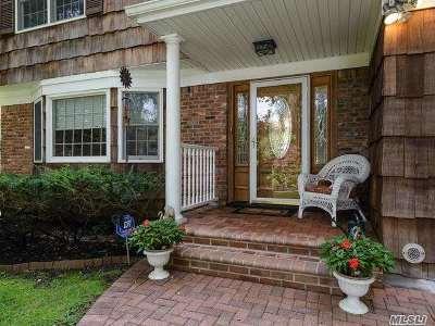 Huntington Single Family Home For Sale: 54 Warner Rd