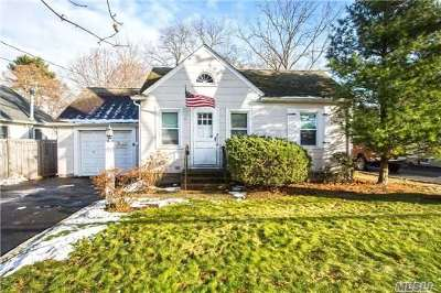 Smithtown Single Family Home For Sale: 191 Maple Ave