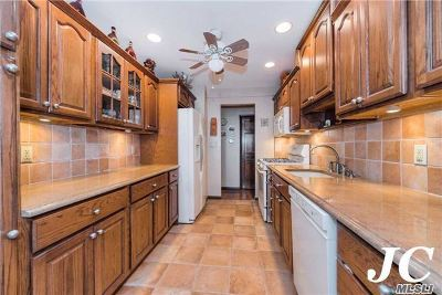 Long Beach NY Co-op For Sale: $479,000