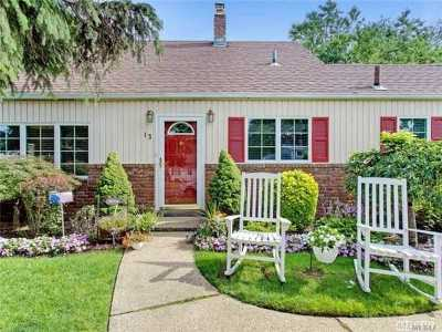 Levittown Single Family Home For Sale: 13 Cherrytree Ln