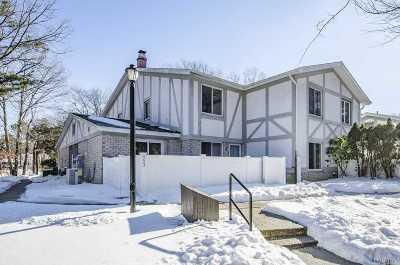 Medford Condo/Townhouse For Sale: 553 Blue Ridge Dr