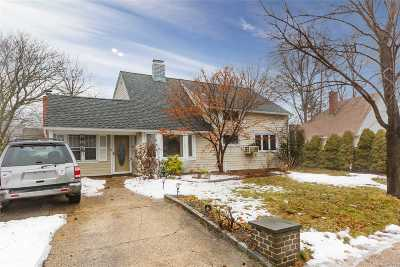 Levittown Single Family Home For Sale: 353 Blacksmith Rd