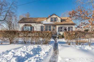 Islip Single Family Home For Sale: 168 Wilson Blvd