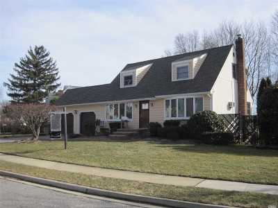 East Norwich Single Family Home For Sale: 107 Yorkshire Dr