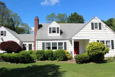 Huntington Single Family Home For Sale: 159 Huntington Bay Rd
