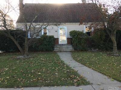 East Meadow Single Family Home For Sale: 2198 7th St
