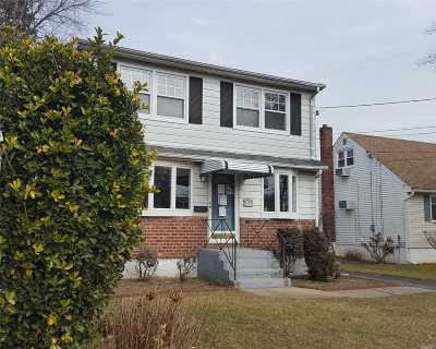 East Meadow Single Family Home For Sale: 2395 7th St