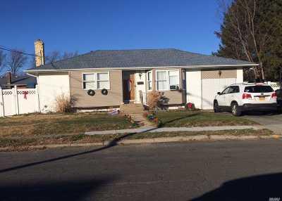 Deer Park Single Family Home For Sale: 31 Orange St