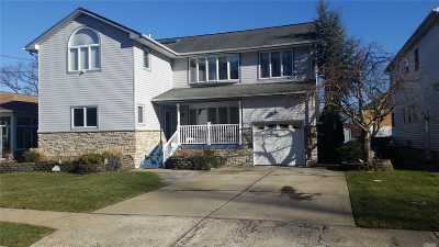 Nassau County Single Family Home For Sale: 1587 Rhode Ave