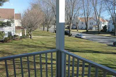 Middle Island Condo/Townhouse For Sale: 137 Fairview Cir