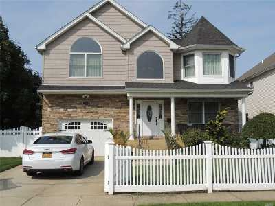 Nassau County Single Family Home For Sale: 1898 Emerson Pl