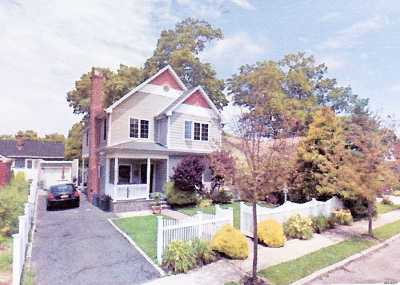 Lynbrook Single Family Home For Sale: 203 Central Ave