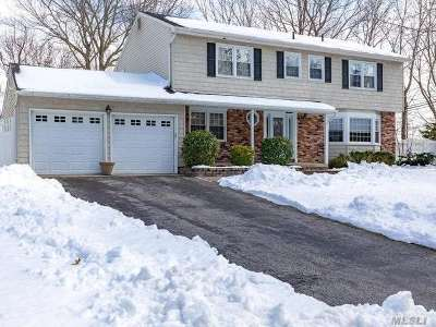 Smithtown Single Family Home For Sale: 55 Winslow Ln