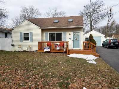 Patchogue Single Family Home For Sale: 97 Shaber Rd