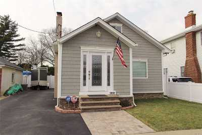 Oceanside Single Family Home For Sale: 2868 Saint John Rd