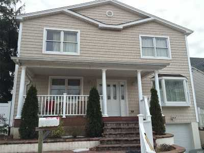 Malverne Single Family Home For Sale: 71 Scarcliffe Dr
