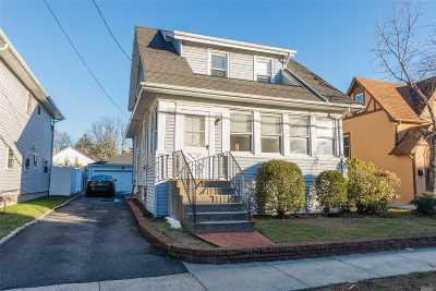 Single Family Home For Sale: 44 Waldo Ave