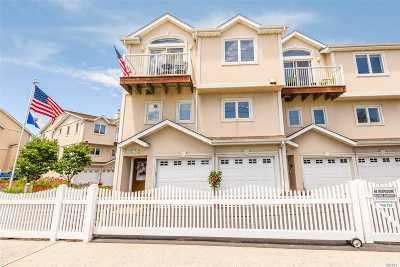 Long Beach NY Condo/Townhouse For Sale: $749,000