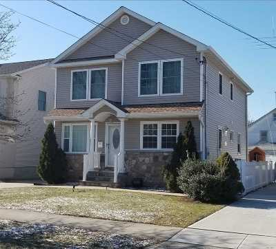 Nassau County Single Family Home For Sale: 31 Old Broadway