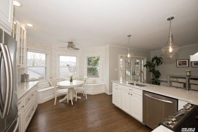 Nassau County Single Family Home For Sale: 55 Van Arsdale Pl