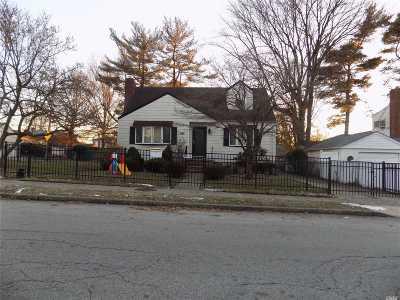 Nassau County Single Family Home For Sale: 1535 Kiefer Ave