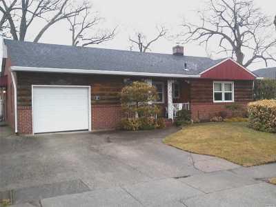 Rockville Centre Single Family Home For Sale: 27 Harrison Ave